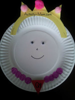 Paper Plate Alphabet Craft – Q is for Queen