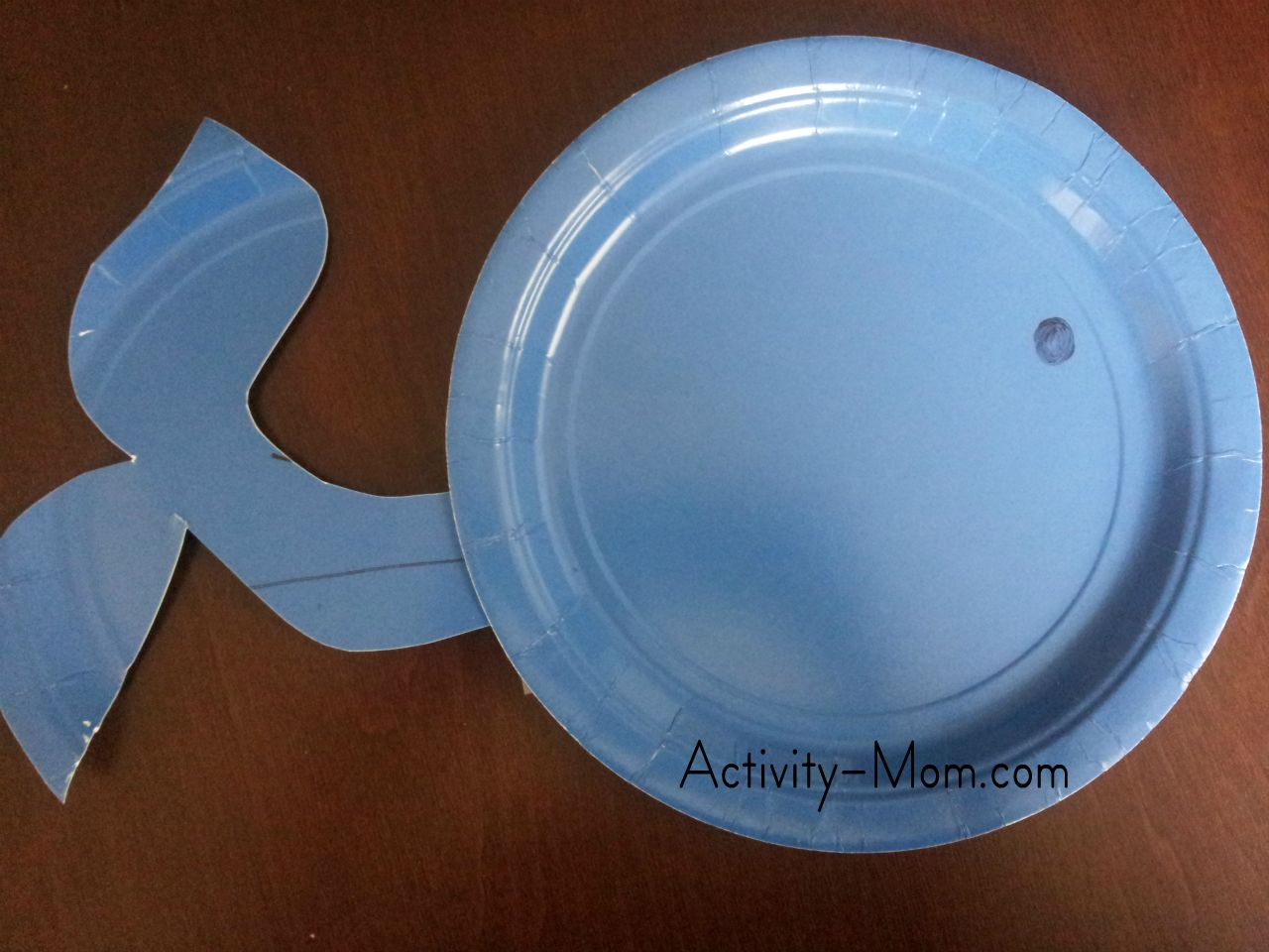 alphabet crafts & The Activity Mom - Paper Plate Alphabet Craft - W is for Whale - The ...