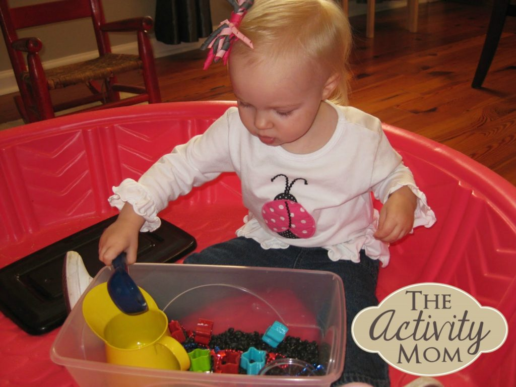 ways to contain messy play